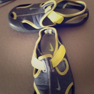 Nike Sandals yellow/ gray size 12